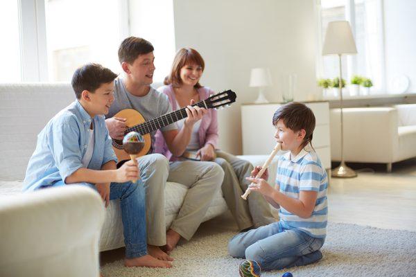 O poder da música: Como ela é aliada no desenvolvimento infantil