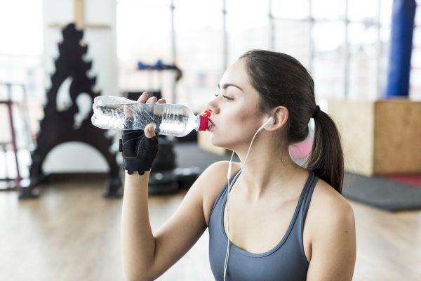 A música pode melhorar seu desempenho nos exercícios. Qual tipo ouvir?