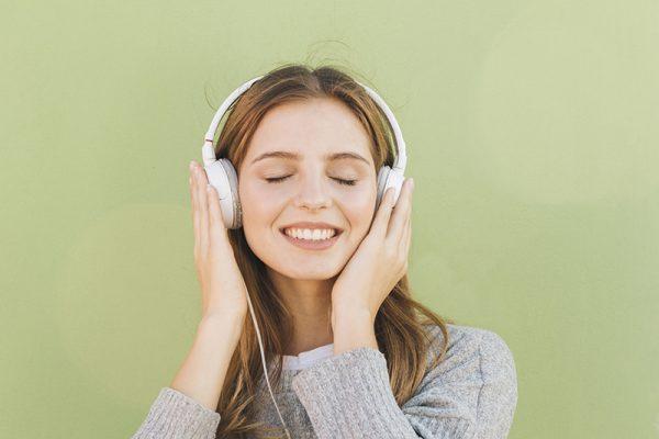 Estudo mostra como a música estimula o aprendizado no cérebro