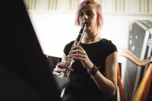 Controle de ruído em escolas de música